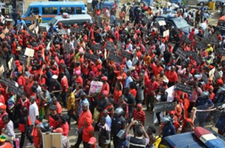 Residents of Yama march against deplorable roads ahead of Bawumia visit